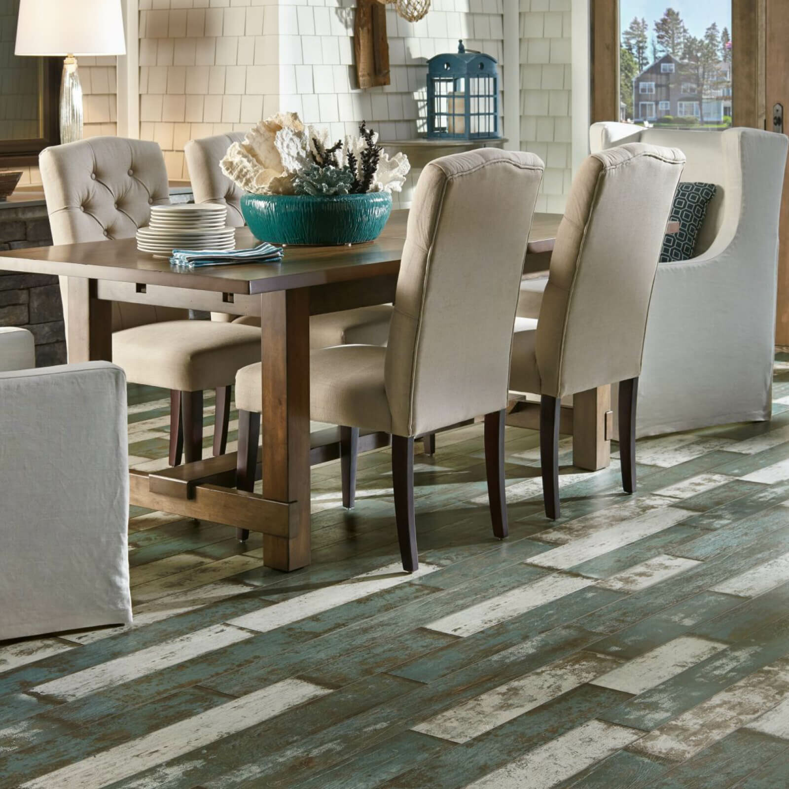 Small dining table on laminate floor | Flooring 101